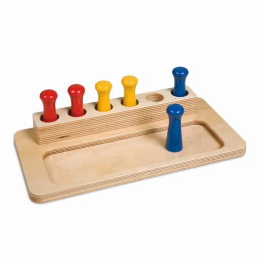 Imbucare peg box_Nienhuis Montessori