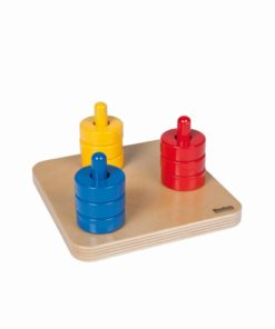 Colored discs on dowels_Nienhuis Montessori