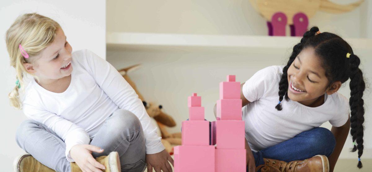 Nienhuis Montessori_The pink tower