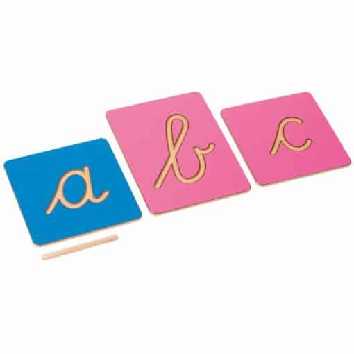 Formes des lettres creusées, écriture cursive internationale - Nienhuis Montessori