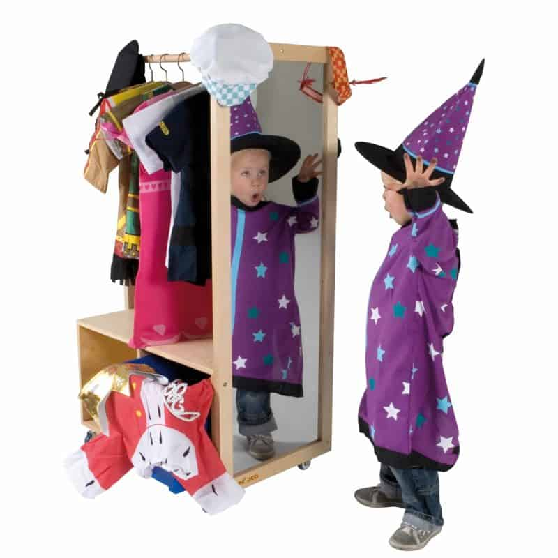 Dress up clothes station - Educo