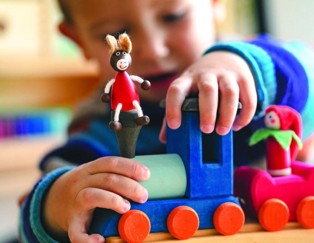 Glückskäfer birthday train - celebrations - Teia Education