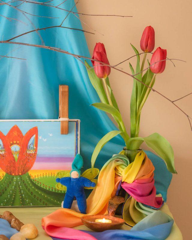 Sarah's Silks - March's Nature Table playsilks - Teia Education Switzerland
