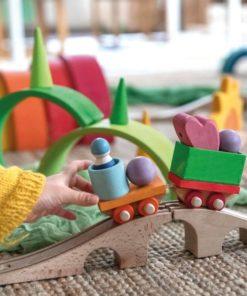 Les jouets en bois durables et respectueux de l'environnement de Grimm's pour les enfants