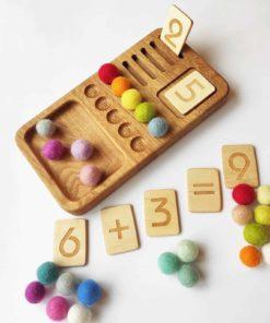Jouet d'apprentissage d'inspiration Montessori fait main Planche à chiffres en bois - Threewood