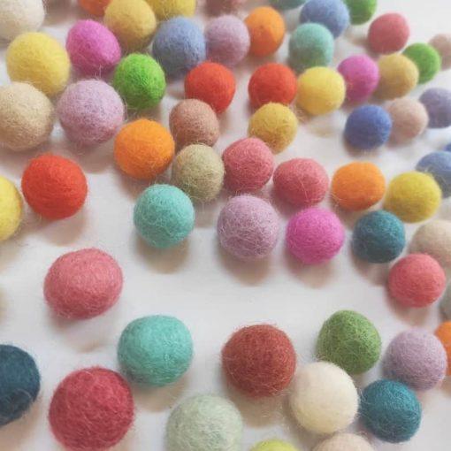 55 woollen felt balls / Montessori inspired sensoriallearning toy - Threewood